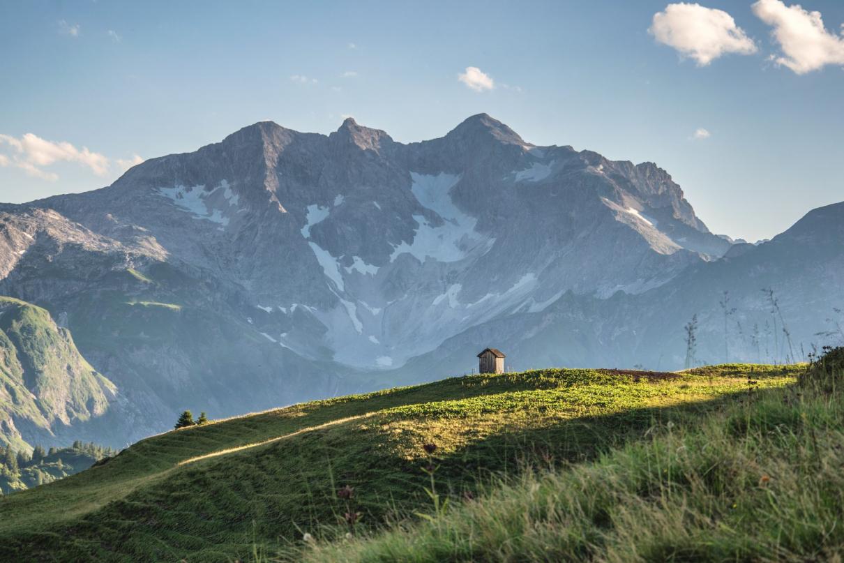 Schäferhütte mit Braunarlspitze (c) Michael Meusburger - Bregenzerwald Tourismus